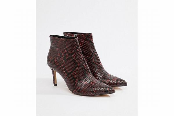 Stradivarius蛇纹裸靴 官网有售  图片源自品牌