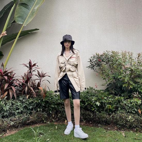 周雨彤演繹Prada Linea Rossa系列