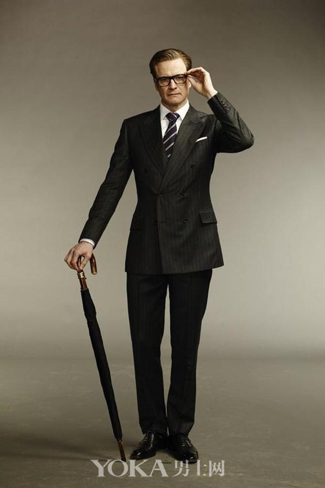 Colin Firth在《特工学院》里身着双排扣西装、拿着长柄伞的形象深入人心。