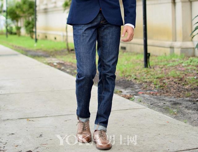 牛仔裤可以跟皮鞋一起穿 但先要知道这8个原则