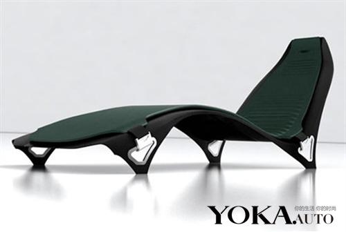沙发的设计颇有阿斯顿马丁座椅的风格 高清图片