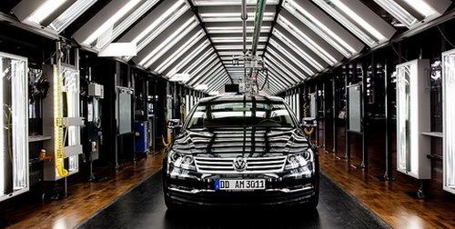 大众汽车透明工厂生产线 大众汽车透明工厂举行十周年庆典高清图片