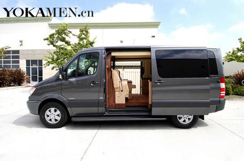 由Becker Automotive Design打造的奔驰凌特(Sprinter)移动房车