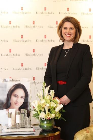 雅顿全球护肤与彩妆市场副总裁Kara Langan