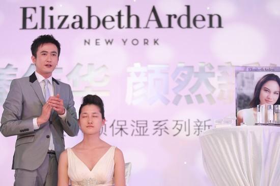 台湾美容护肤专家家弘老师展示产品功效