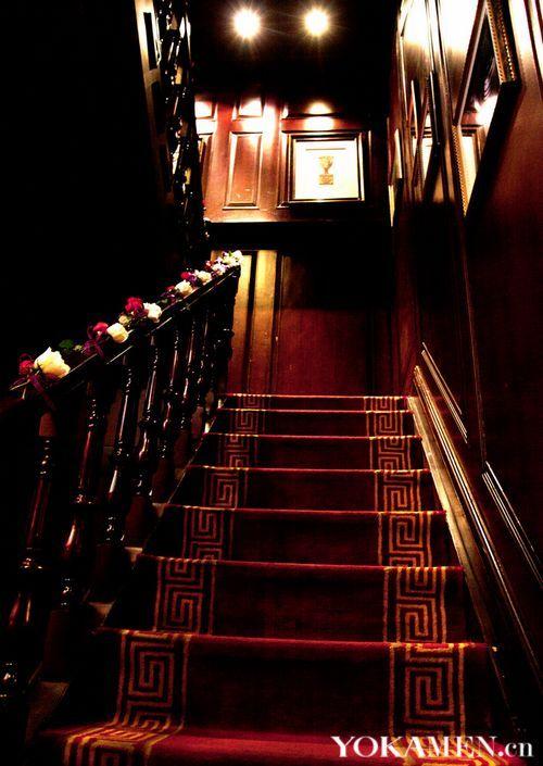 楼梯实木欧式红酒架