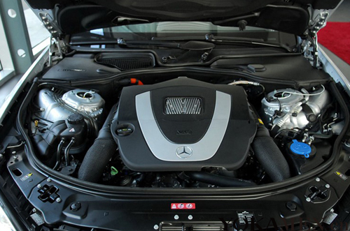 由于这款奔驰S400是混动版,所以油耗表现还是很出色的