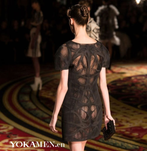 巴黎时装周展示3D打印服装