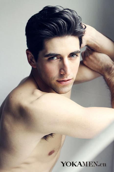 头皮按摩法护理男人油性发质