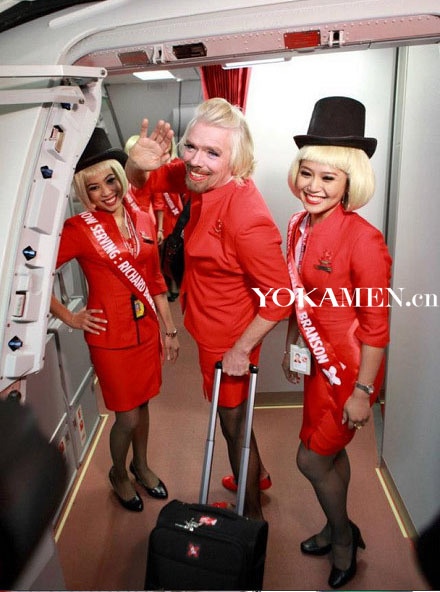 维珍航空老总将女装在亚洲航空担任空姐