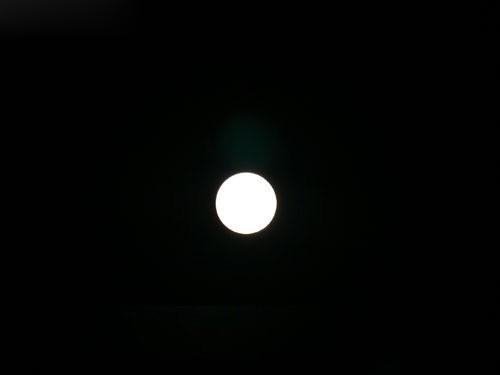 别把月亮拍成月饼 中秋如何拍摄月亮