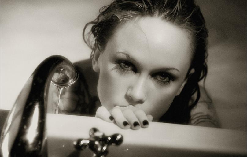 性感唯美 犹如电影浴缸中的性感美女