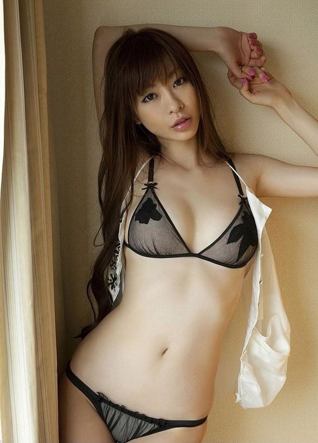 顶级低胸美女私房写真