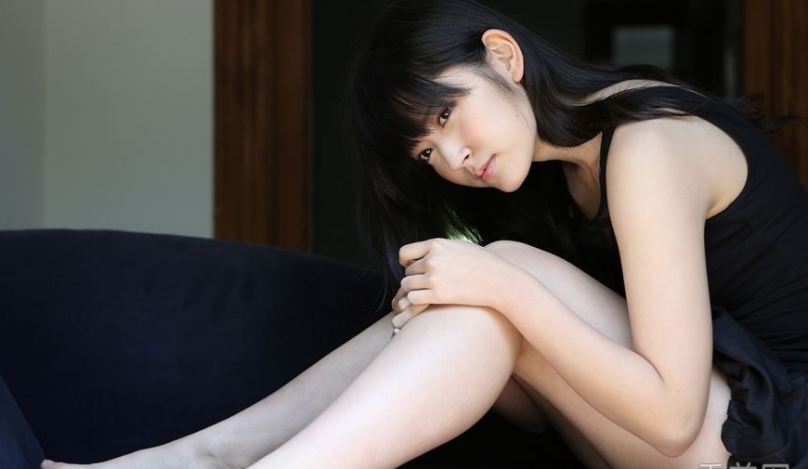 虎牙萌妹铃木爱理 清新写真少女风情