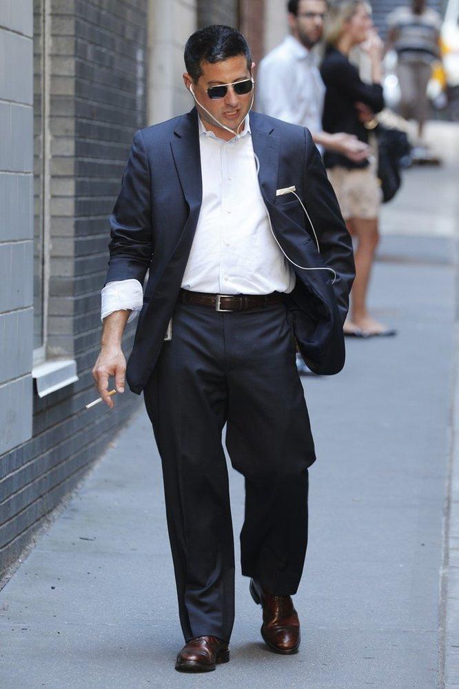 西服裤子怎么叠图解